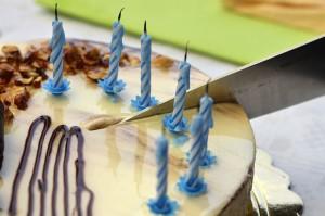 Taglio torta con candeline