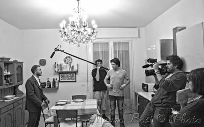 set cinematografico, foto con Francesco operatore audio e Alessandro operatore video