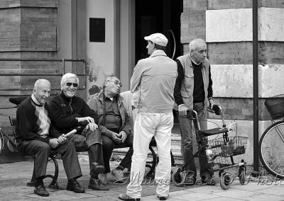 Anziani sulla panchina