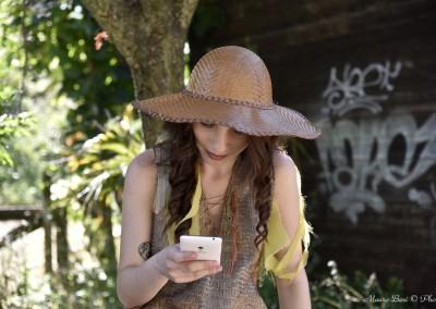 Clizia alias Federica Navarria in una pausa durante le riprese