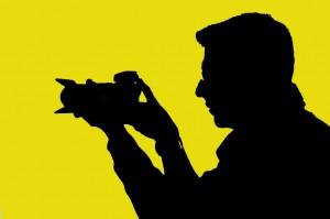 Mauro Bosi profilo controluce giallo riflesso